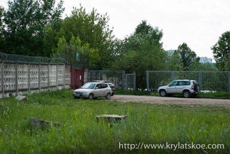 ФОТОРЕПОРТАЖ: строительство дороги к новому байк-центру Ночных волков в Крылатском продолжается