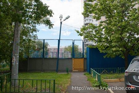 ФОТОРЕПОРТАЖ: Сделан ремонт спортивной площадки по адресу Осенний бульвар д. 5 к. 2